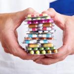 Controllare le scadenze dei farmaci.  Ma non sarebbe meglio evitare le giacenze?